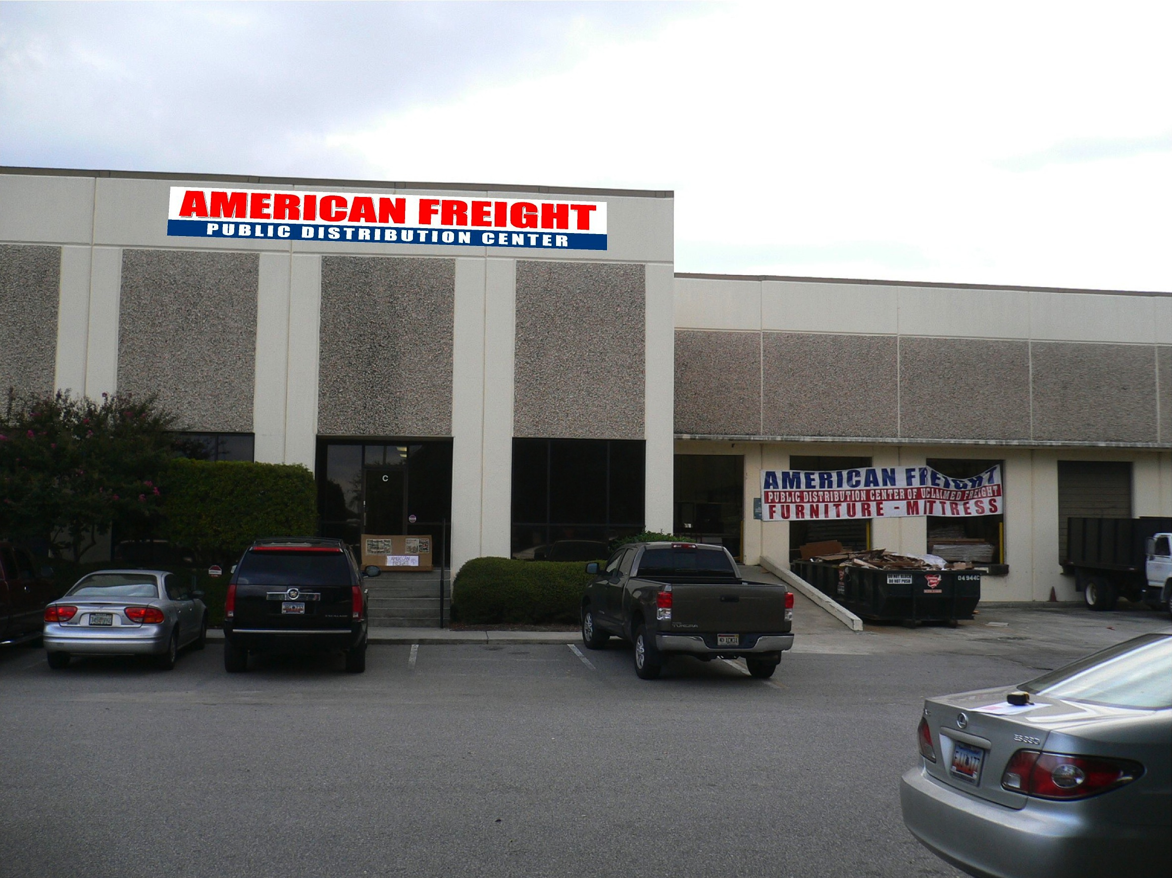 New discount furniture store in north charleston for Furniture warehouse