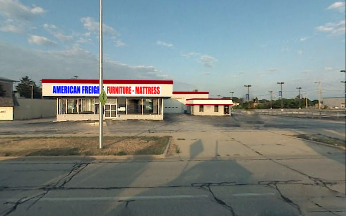 American Freight Furniture Store in North Milwaukee