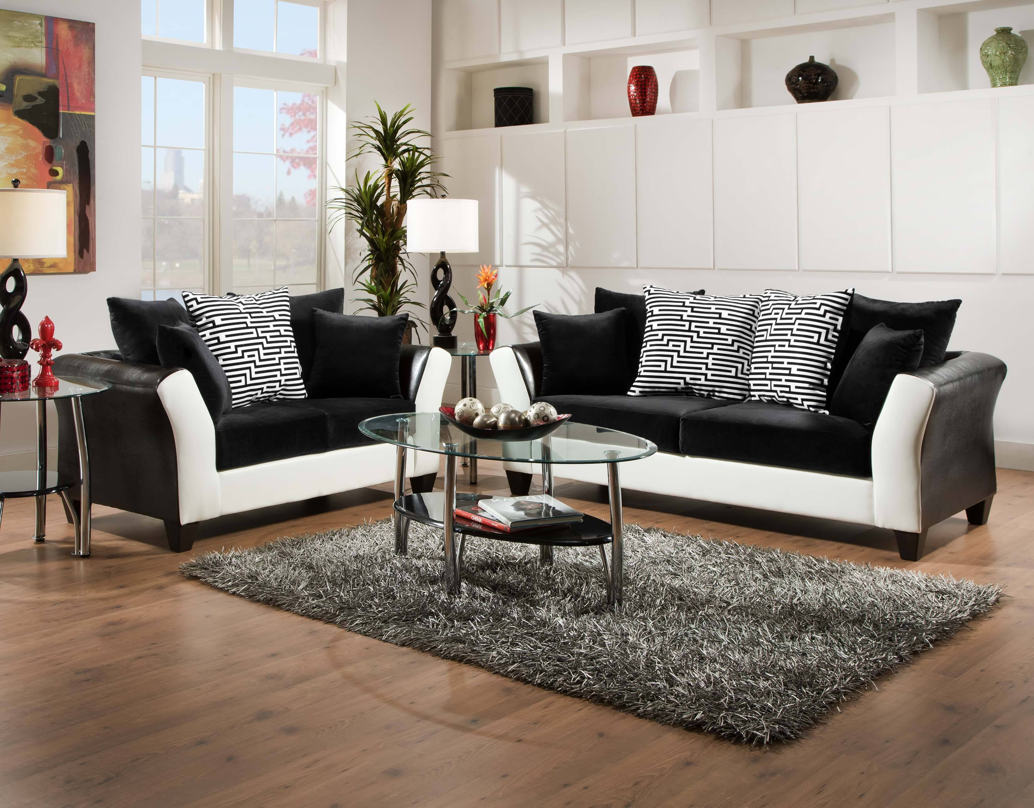 Add Sophistication to any Room with Black and White Design Elements