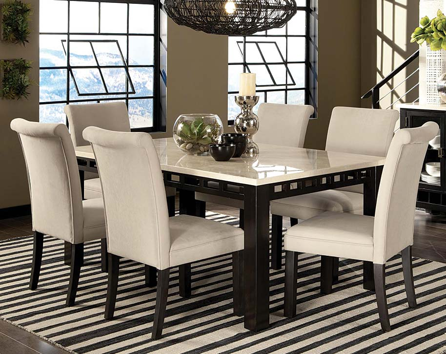 Genial Dinette Set With Right Sized Rug