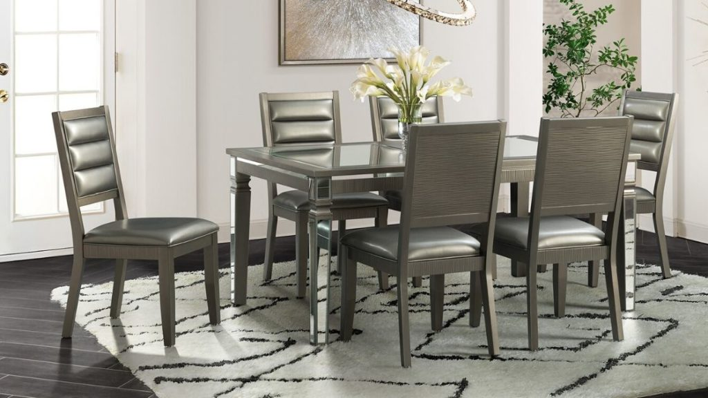 Get a Glamorous Dining Table Set